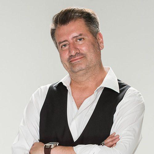 Armando Macchi G.
